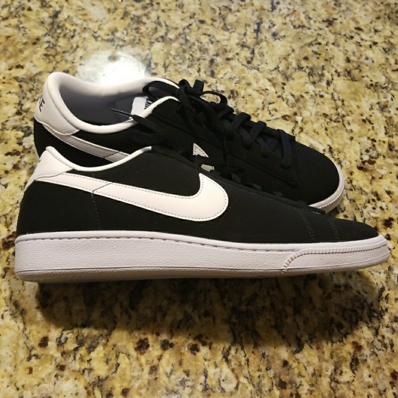 best sneakers 52ca9 b3896 NWT MENS NIKE COURT CLASSIC  312495-011. M 5a22d5e47fab3af3a1033870. Other  Shoes ...