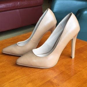 Nude pumps, Journee Collection, 6.5. Like new!