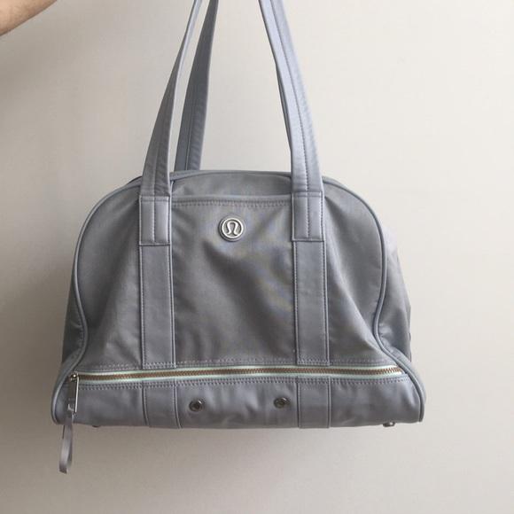 lululemon athletica Handbags - Lulu lemon gym bag   weekender 319cb233cca6f