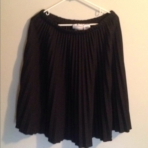 07a7c15e4 Alfred Dunner Dresses & Skirts - 🤑Alfred Dunner Pleated Skirt