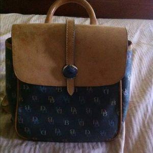 Vintage Dooney and Bourne backpack purse