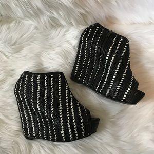 Zara Woman black & white weaved wedges