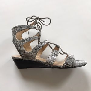 New Chinese Laundry Lace Up Heels