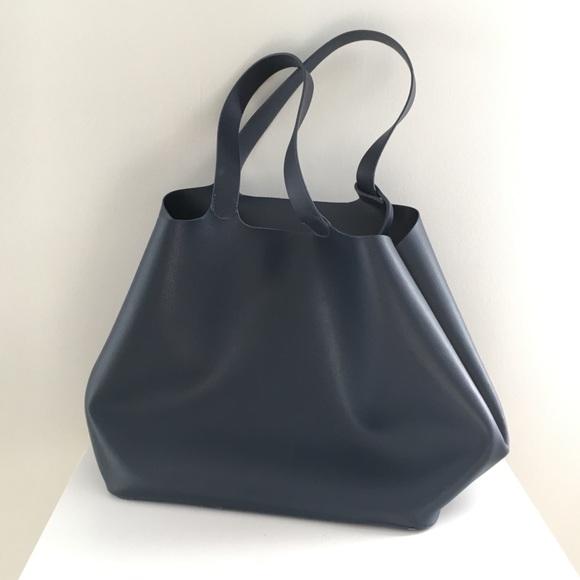 923186033c6 Slouchy Zara purse. M 5a22f9185c12f8d0db03d034
