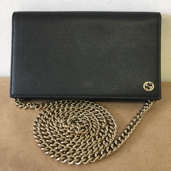 09a4b163d59f Gucci Handbags - GUCCI WOC Wallet on Chain Crossbody Purse Perfect!