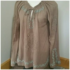 Love Stitch boho embroidered tunic top. Size Med.