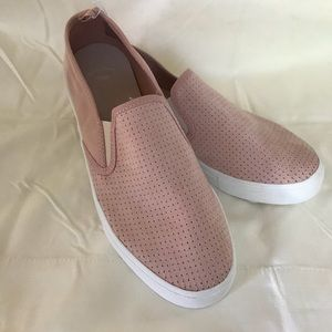 Gap Sueded Sneakers in Blush Color