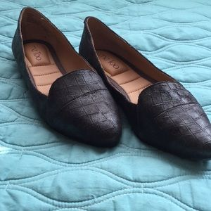 NWOT Me Too Textured Black Pointed Toe Flats