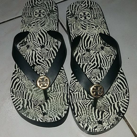 7799012d536940 Bundle tory Burch   Michael kors flip flop sz 8.  M 5a2303b84225be2da6040750. Other Shoes ...