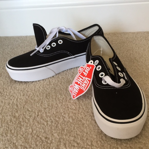 e2aca2ccdb4 Vans Authentic Platform 2.0 Black NWT