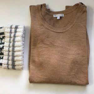Gap camel colored sweater
