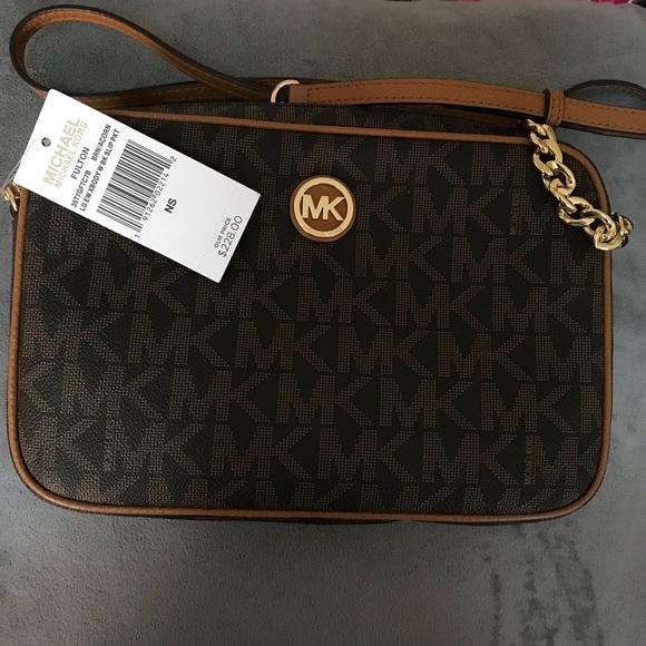 583cf09e6934df Michael Kors Bags | Mk Fulton East West Large Crossbody Signature ...