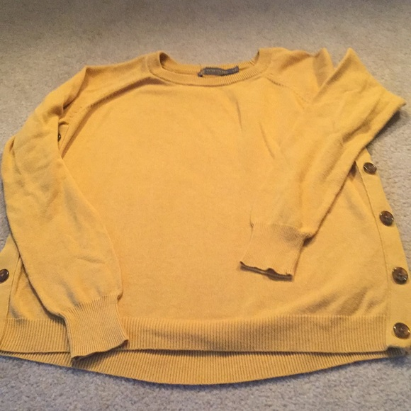 The Limited - The Limited size small gold color sweater from ...