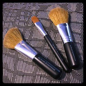 Bundle of Bare Essentuals Makeup Brushes