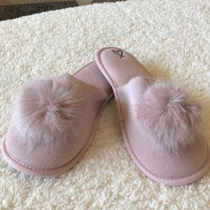 Slippers Victorias Secret Pale Pink Pom-pom Slippers Xl
