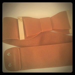 Large camel bow waist belt gold detail nwot