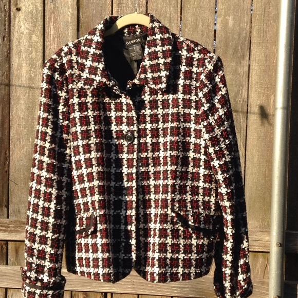 George Jackets & Blazers - Red, black, white houndstooth print jacket.