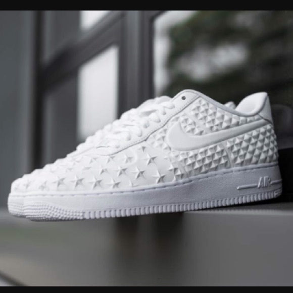 official photos 8aa63 85336 •COLLECTORS NIKE AIR FORCE 1• LOW PRICE MAKE OFFER.  M 5a2321a113302ad0a90494bd