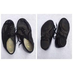 Capezio • Jazz Dance Shoes • Black w/ Laces