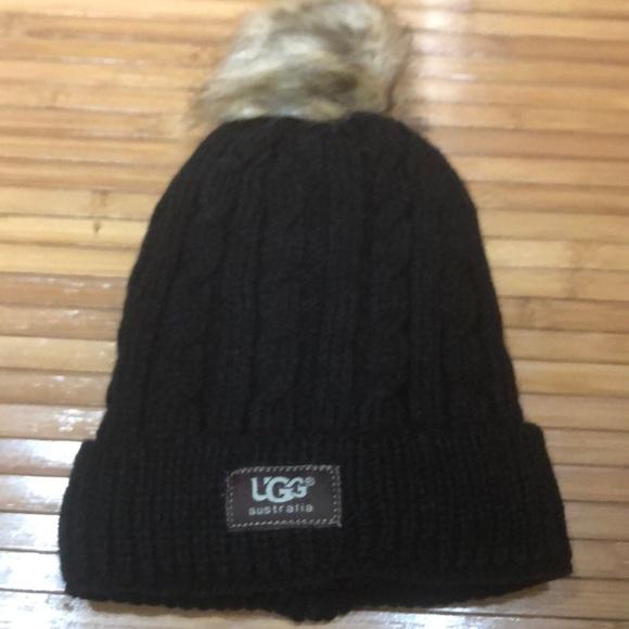 Black UGG hat. ⭐ . M 5a2327bd13302a8df804acfc 79c1b6f1937