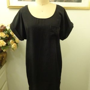 Ali and Kris Black Short Sleeve Tunic Dress