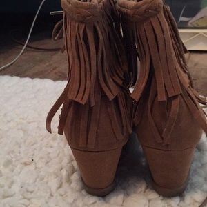 cd2ace9e7b5 Cute Indian low heel boots