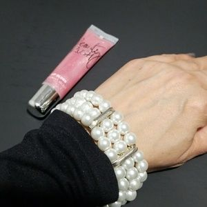 Pretty Pearl Bracelet