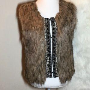MISS ME Faux Fur Beaded Knit Vest. Size L EUC