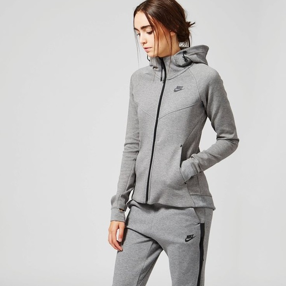 Nike Jogging Sets For Women Nike Outfits For Girls  8c7e1305bf