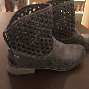 Roxy Ankle Short Boots