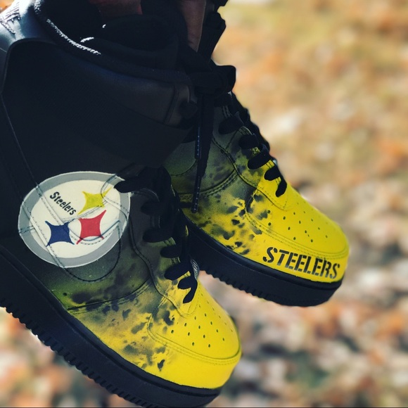 Pittsburgh Steelers custom AF1's size 9.5 NEW 200$ NWT