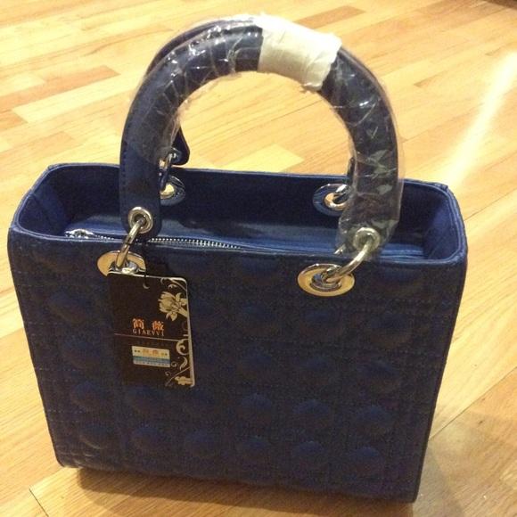 Giaevvi Bags   Beautiful Blue Quilted Purse   Poshmark e69cf00c3f