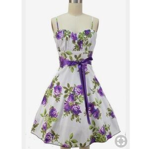 Dresses & Skirts - Floral purple pinup style sundress