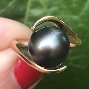 Jewelry - 14K Yellow Gold Black Tahitian Pearl Bypass Ring