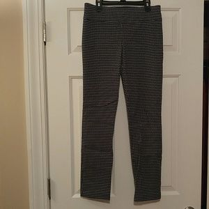Black and white pant