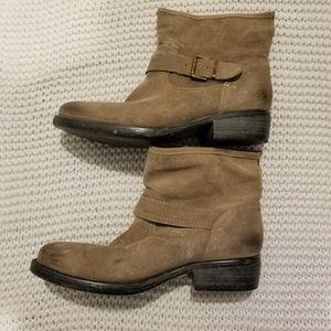 Steven by Steve Madden Odell suede short boots 10