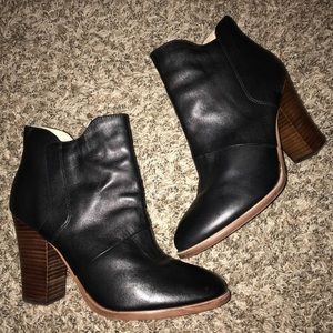 LIKE NEW HALOGEN BLACK LEATHER BOOTIES