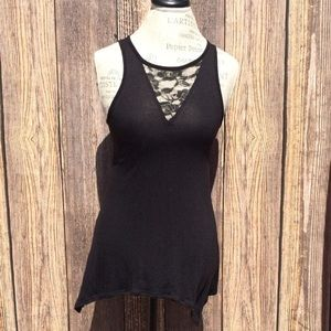 14th & Union black tunic top with lace accent
