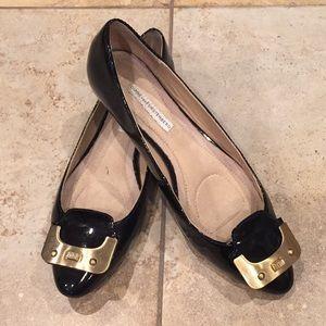 Diane Von Furstenberg  flat shoe size 7.5
