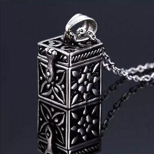 Jewelry - Wish Box Necklace silvertone with secret message