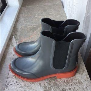 UGG AVIANA CHELSEA RAIN BOOTS SIZE 7