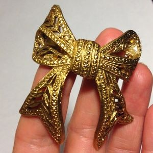 Accessories - ❤ Beautiful Vintage Metal Bow Ponytail Hair Clip