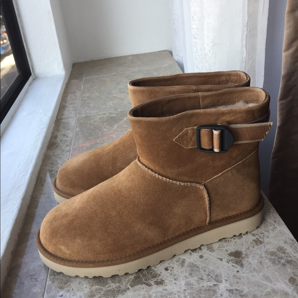 UGG MENS CLASSIC MINI STRAP CHESTNUT BOOTS SIZE 9