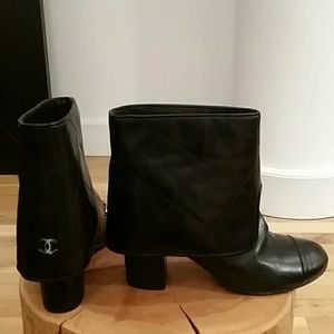 CHANEL quilted black leather booties