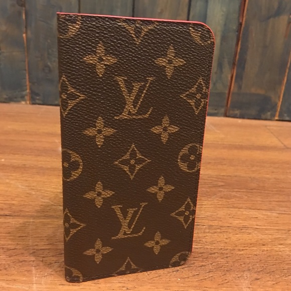 purchase cheap 5dba7 80702 Louis Vuitton Cell Phone Cover
