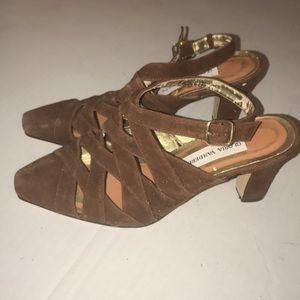 Gloria Vanderbilt vintage heels