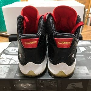 Nike Shoes - Nike Air Max LeBron VII P.S., Size 11