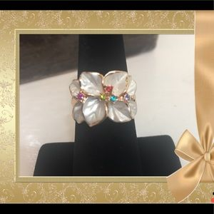 Jewelry - Crystal and Enamel Flower ring Size 7. New.