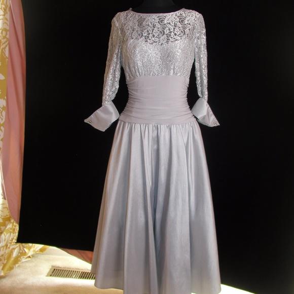 2c8f9f4e89b4 Jessica Howard Dresses & Skirts - Jessica Howard silver lace formal dress -  size 8