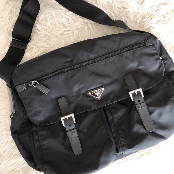 Prada Vela Medium Double-Pocket Messenger Bag. M 5a237d684127d0de2a06417d 141cbbaffe